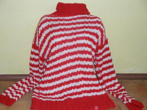 Ručně pletený svetr