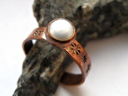 Bílá říční perla
