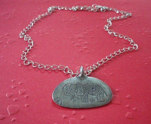 Medailon se sloníkem pro štěstí