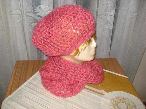 Tmavě růžová čepice a nákrčník