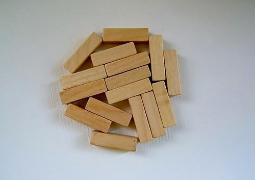 Dřevěné korálky  8x28 mm 15ks