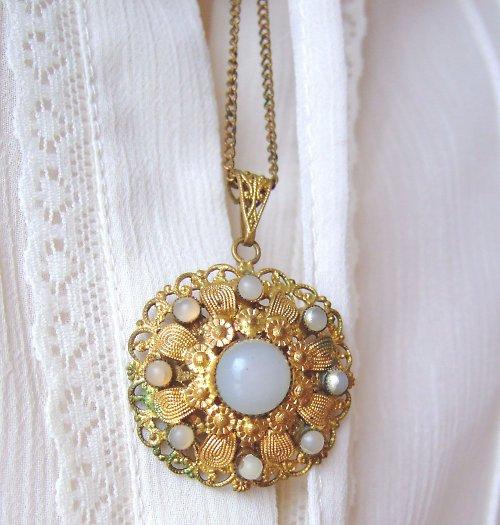 Náhrdelník se sklenými perličkami
