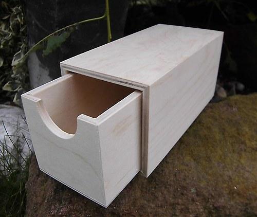 Dřevěná krabička č.3- v.8,8x8x16cm