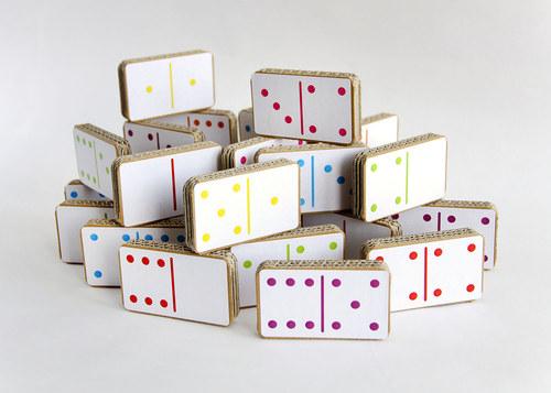 Kartónové domino