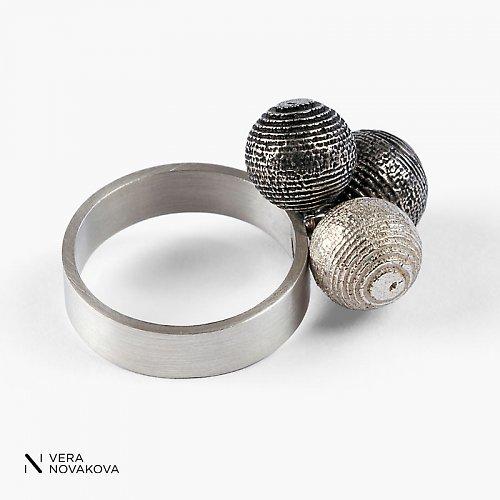 Prsten Kuličky velké stříbro