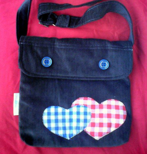 Srdíčková taška