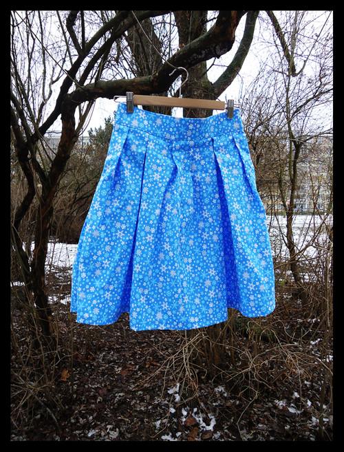 Sněhovo-vločková sukně