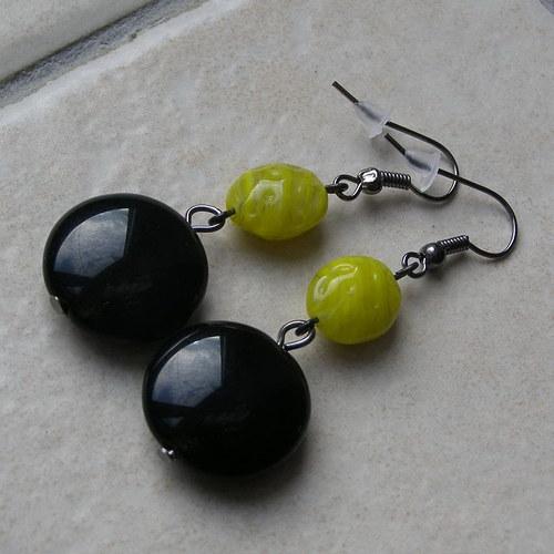 Žluto-černé