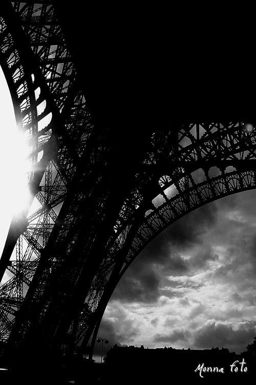 Eiffel by se divil..