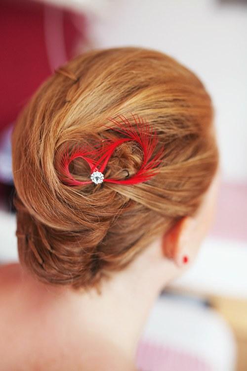 Mini fascinátory do vlasů červené rudé na svatbu