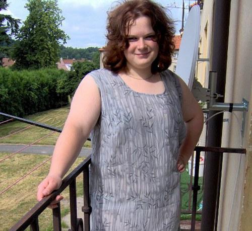 Letní dlouhé šedé šaty