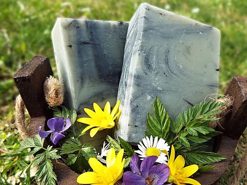 Hlubokočistící mýdlo - zelený jíl + černé uhlí