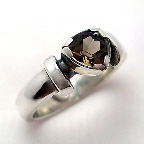Prsten «Korunka» - stříbro 925, přírodní záhněda