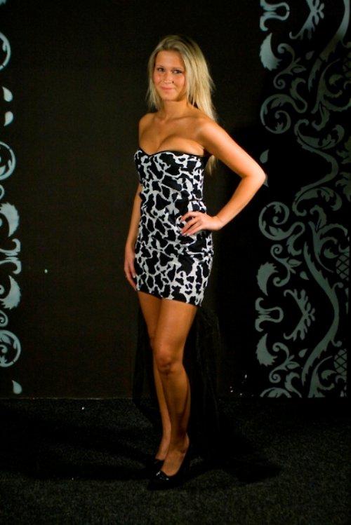 SEXY - šaty s tylem 36-38 SLEVA z 960,-kč