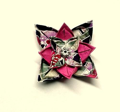 Růže v moři  - origami brož
