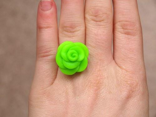 Neonky růže: prstýnek