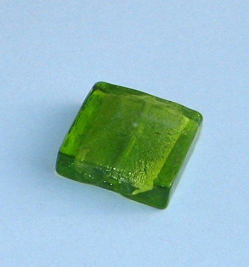 Vinutý čtverec, zelený, 15x15mm, 1ks