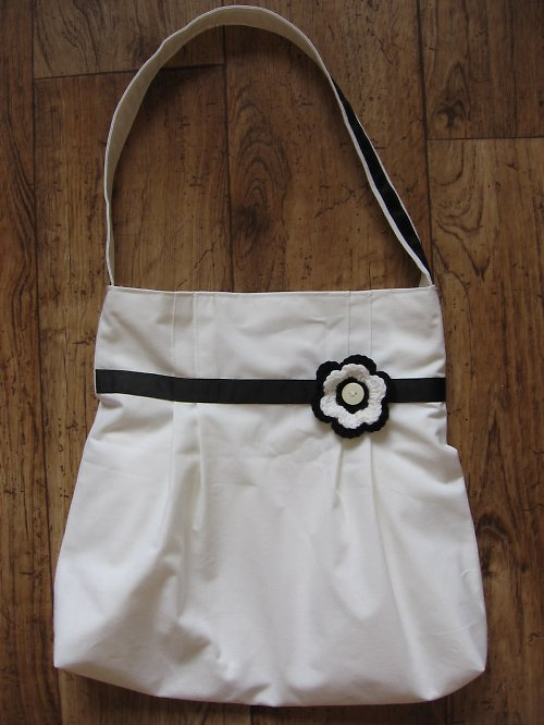Bílá látková kabelka