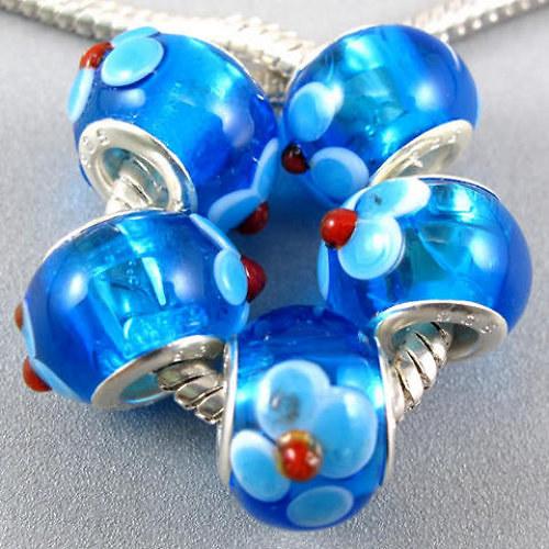 modrý korálek kytička