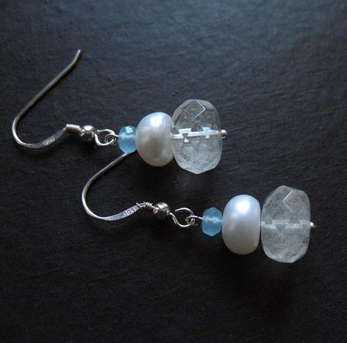 Náušnice bílé, chalcedon a perla