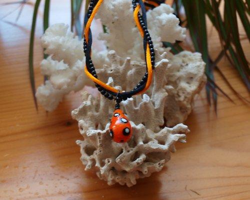 Nepřehlédnutelný náhrdelník s vinutkou