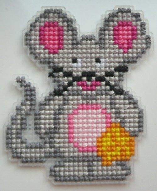 Vyšívaná magnetka - myška