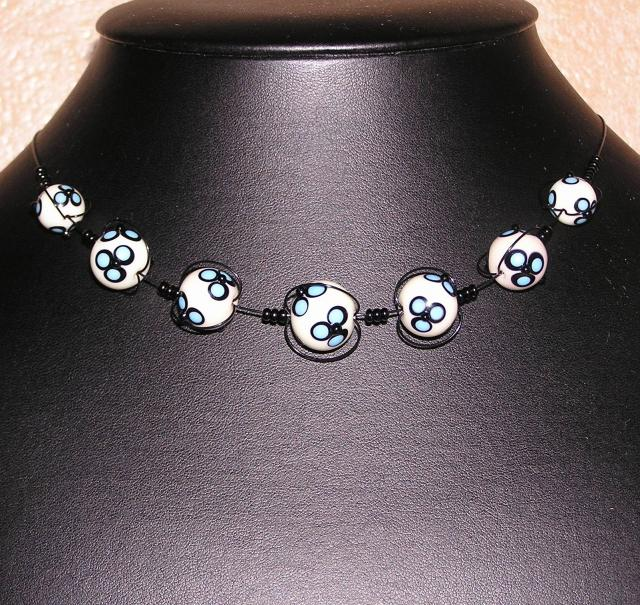 Náhrdelník  květované - vinuté perle