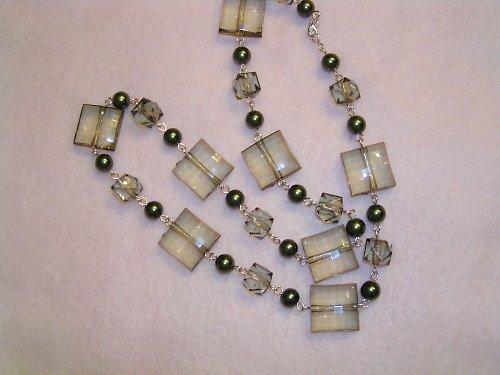 Khaki náhrdelník-sleva.