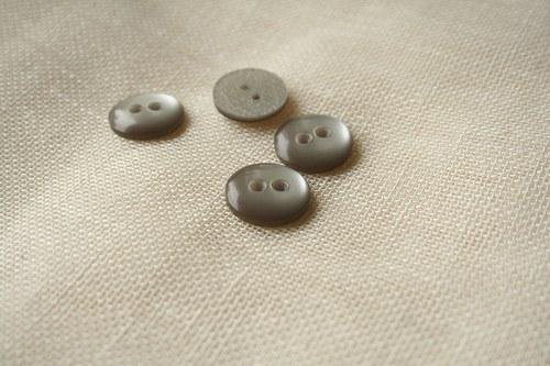 5 knoflíků s perleťovým efektem šedé_2 cm