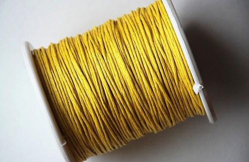 voskovaná šňůrka 10m- citrónově žlutá