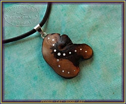 532. dřevěný náhrdelník VINNÁ RÉVA - Morava