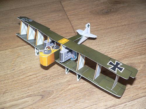 Bitva v oblacích - Německo - bombardér