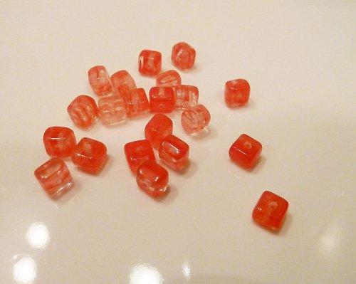 Červeno-oranžové žíhané kostičky