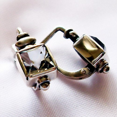 Náušnice «Čtverec» - stříbro 925, bílý topaz