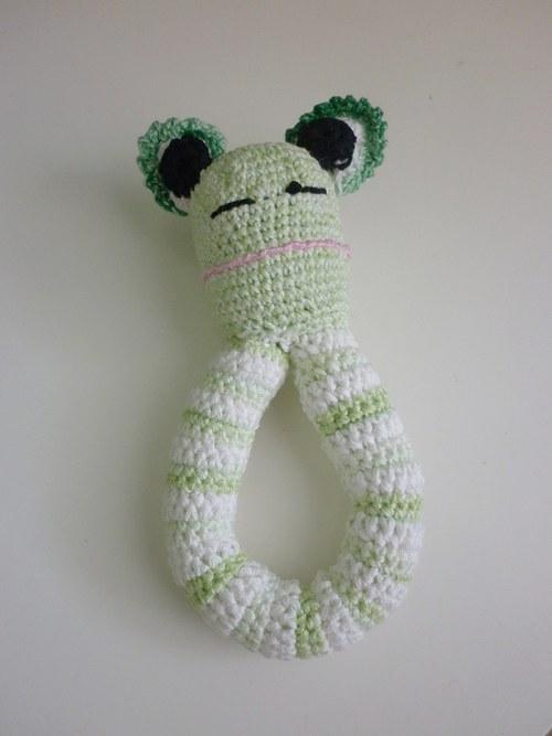Háčkované chrastítko - Žabák