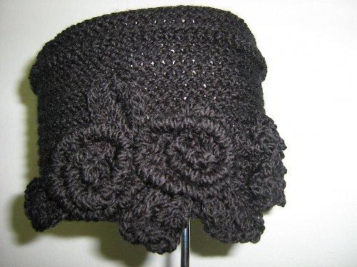 Černá čepice TOKKA