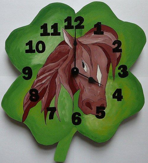 hodiny hnědák