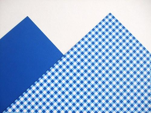 Karton modrý čtverečkovaný