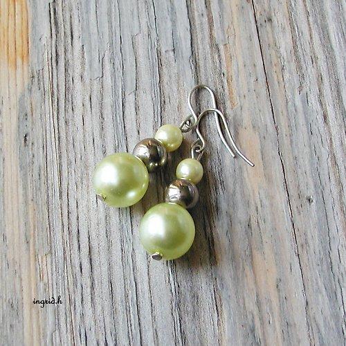 Světlé perly