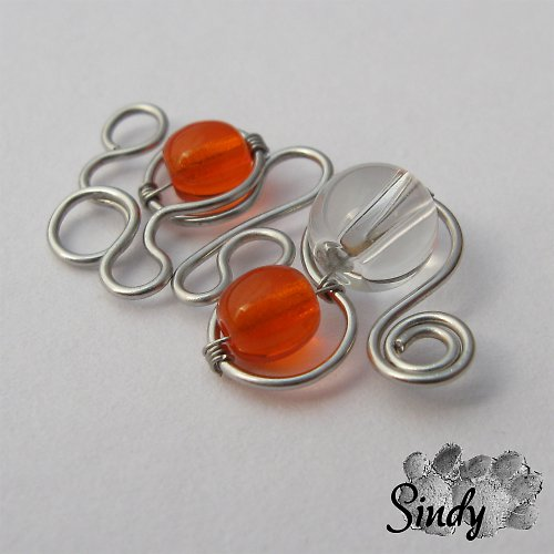 Oranžová svinutka