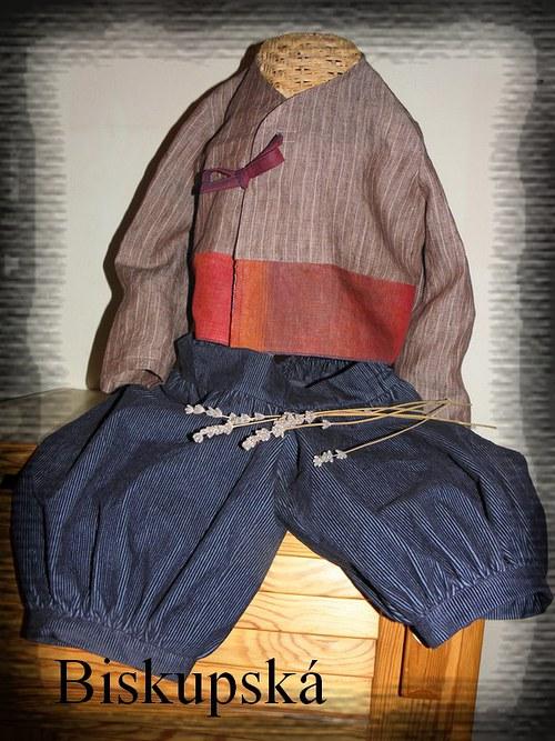 Manšestráky na svátek, k tomu lněný kabátek (1.)