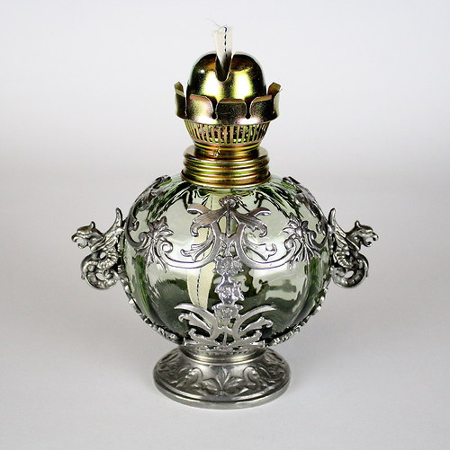 Lampa s dračími oušky