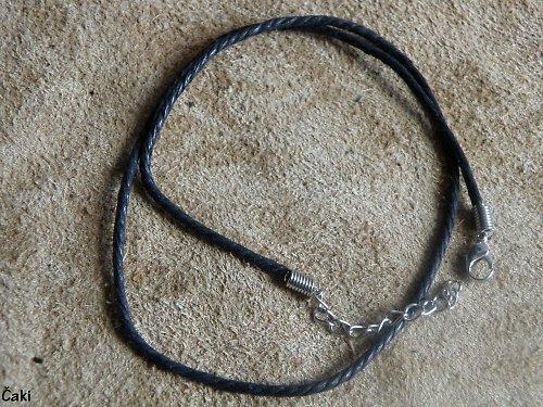 Pletený  řemínek na krk