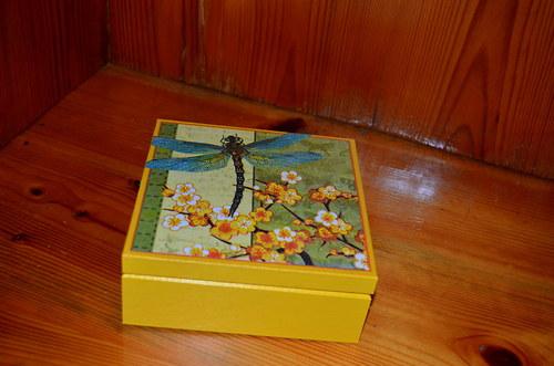 Krabička - Vážka