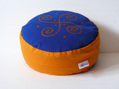 Meditační sedák - malované spirály, 12 cm vysoký