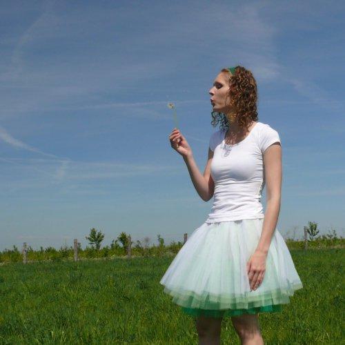 Bílo-zelená tylová sukně