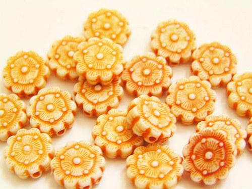 Dětské korálky - kytičky oranžové