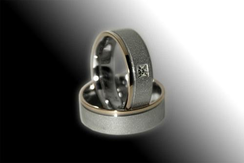 Snubní prsteny z dvojího zlata s Diamantem.
