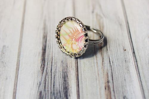 Barevné ostny - Prsten s epoxy čočkou