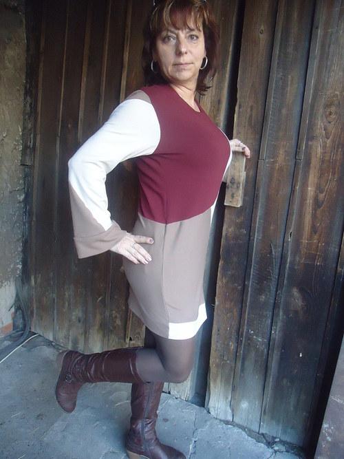 Jarní šaty z pleteniny